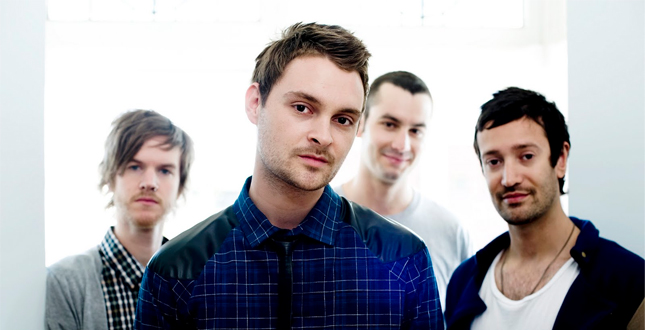 d7c82a5b18b21 ... o novo disco do quarteto australiano Strange Talk está sendo  apresentado aos poucos. O grupo